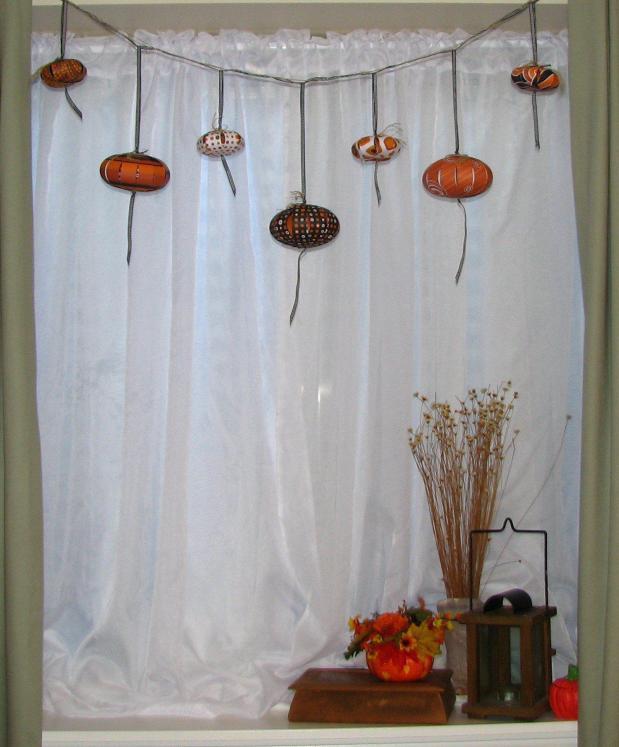 Pumpkin Garland-Vignette